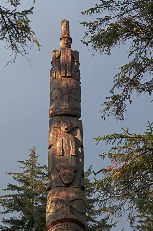 sunlight on the frontal totem of Chief Son-i-Hat Whale House