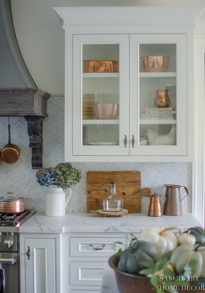 How to Style Glass Kitchen Cabinets - Sanctuary Home Decor
