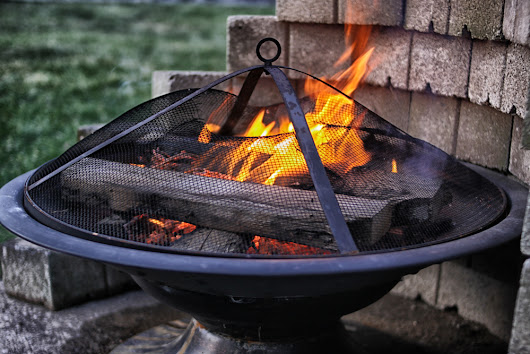 Things You Need to Know Before Purchasing A Backyard Fire Pit