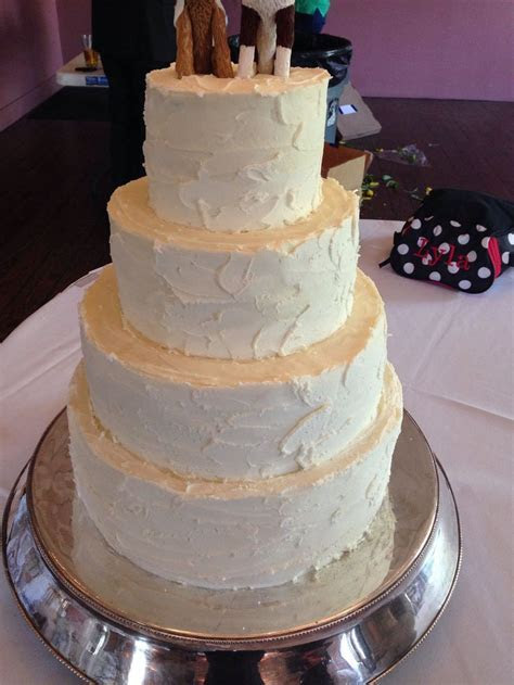 Four tiered wedding cake stucco finish   Californos