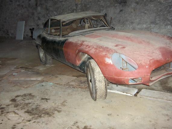 voiture ancienne sortie de grange