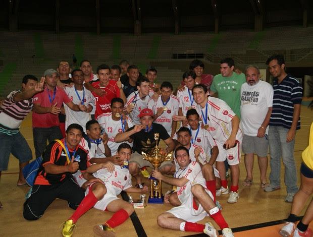 URV comemora título da Taça Cidade do Natal de Futsal (Foto: Augusto Gomes)