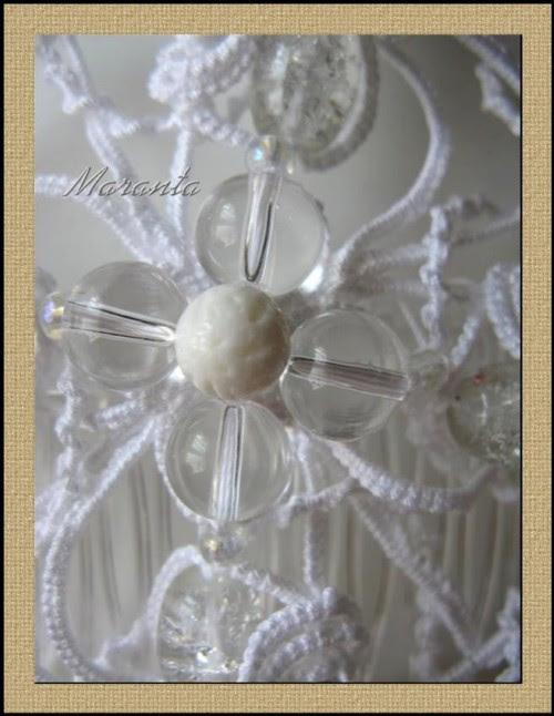 ozdoba do ślubu na grzebyku frywolitka