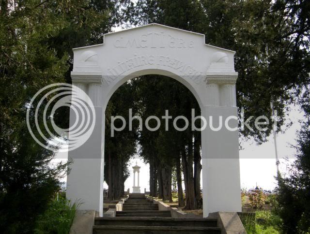 http://i698.photobucket.com/albums/vv348/volan-sko/610Small.jpg?t=1242385386
