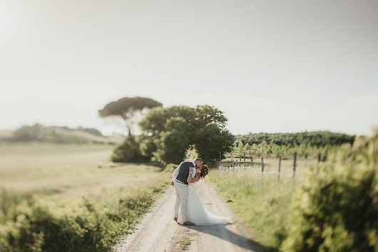 Tuscan Country Chic Wedding Photography | Open Field Ceremony