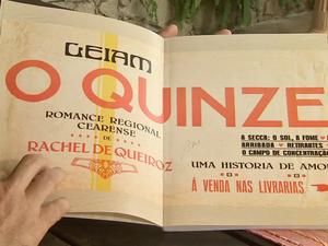 """Anúncio sobre o livro """"O Quinze'' (Foto: TV Verdes Mares/Reprodução)"""