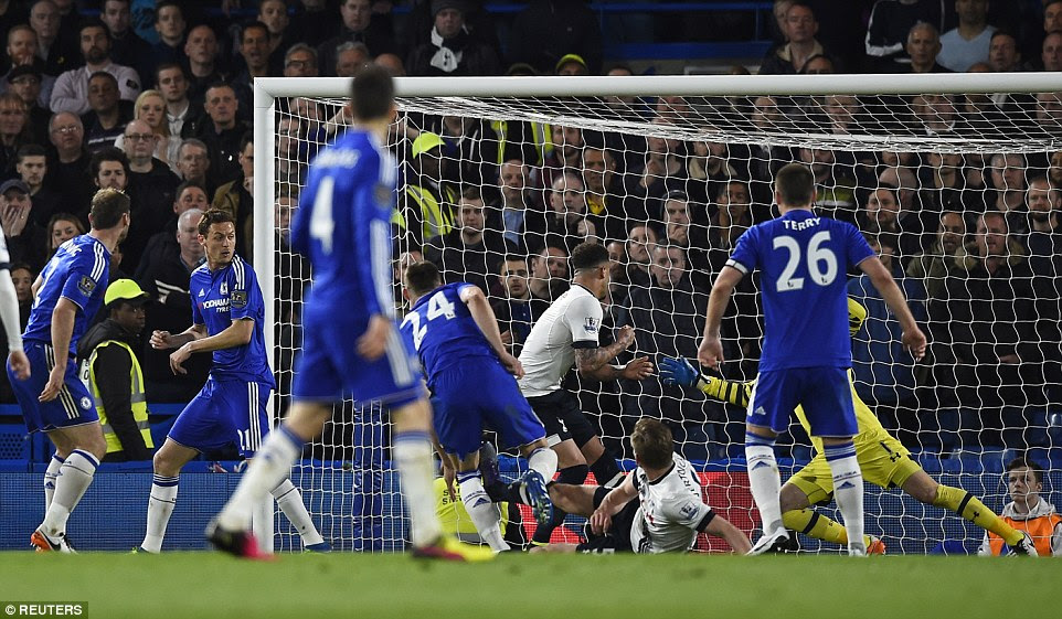 Trailing 2-0, Cahill hands Chelsea a lifeline with a sublime piece of skill inside the Tottenham penalty area