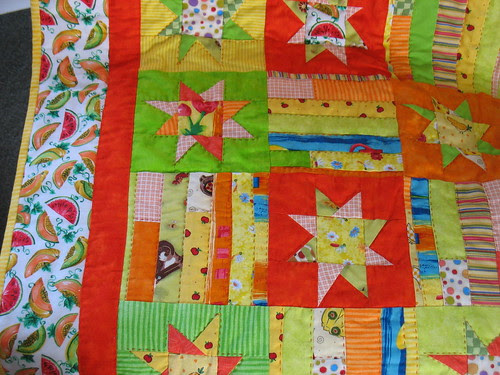 Watermelon Stars quilt Close-up