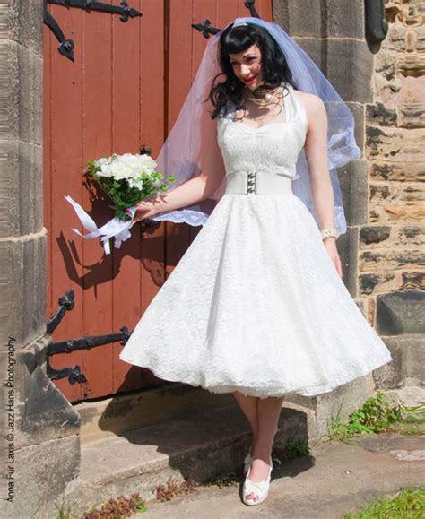 Tea Length & Retro 1950s Wedding Dresses   Confetti.co.uk