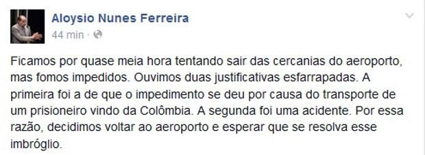 O senador Aloysio Nunes (PSDB-SP) relata no Facebook problemas enfrentados pela comitiva de parlamentares brasileiros para deixar aeroporto de Caracas (Foto: Facebook / Aloysio Nunes Ferreira)