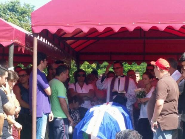 Advogado assassinado foi enterrado em Guarulhos (Foto: Tatiana Santiago/G1)