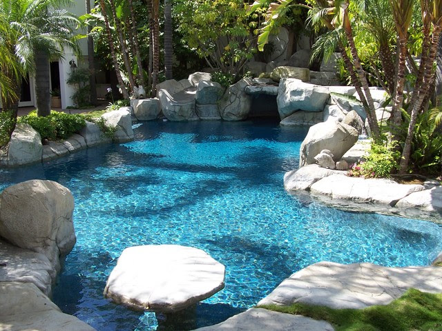Tropical Swimming Pools and Spas on Houzz