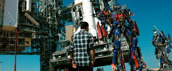 With the Xantium and Que behind him, Optimus Prime bids Sam Witwicky farewell in TRANSFORMERS: DARK OF THE MOON.