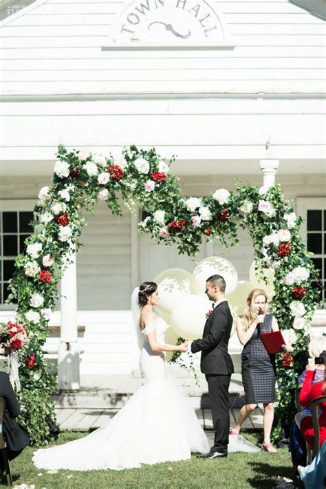 17  ideas about Whimsical Wedding Flowers on Pinterest