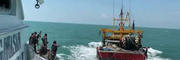 Merinding Manuver Berbahaya, KKP Sergap Dua Kapal Trawl Asal Malaysia