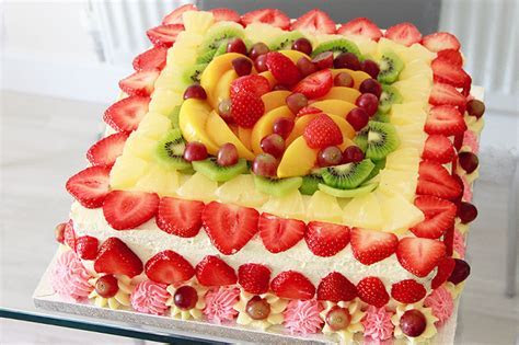 Delicious wedding cakes,birthday cakes and for all