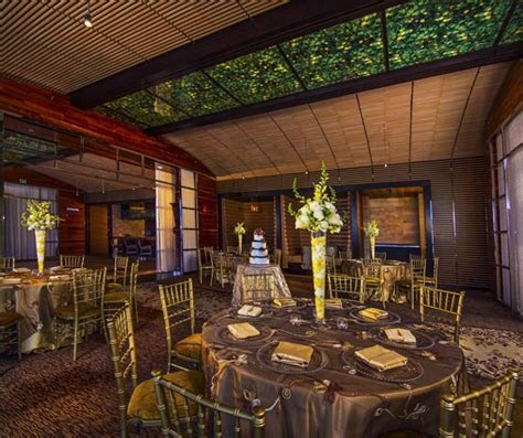 Ultimate Vegas Wedding Venue Guide: M Resort » Little
