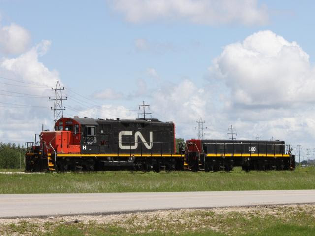 CN 7238 and slug CN 200 in Winnipeg