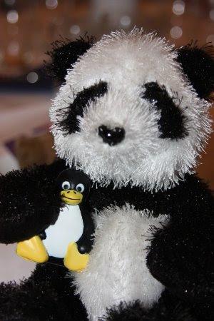 [panda fedora]
