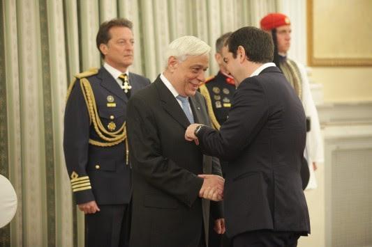 Παυλόπουλος σε Τσίπρα: Το 2016 θα φορέσεις γραβάτα - Η μπηχτή για τη Ζ. Κωνσταντοπούλου