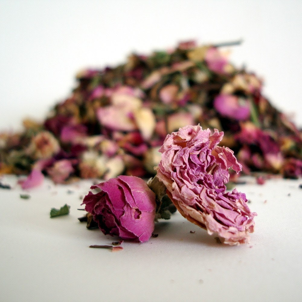 Organic PINK ROSE and GREEN Tea 15-20 cups- Full of powerful ANTIOXIDANTS.