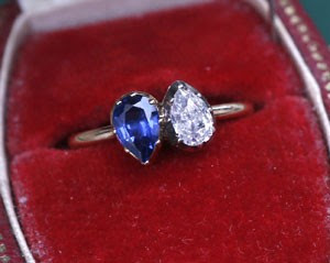 Detalhe do anel de Napoleão que foi leiloado (Foto: AFP)