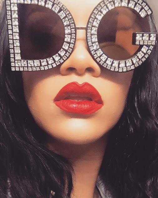 Is Rihanna trying to be a Kylie Jenner Copycat with Makeup Tutorials? #rihanna #celebs #celebrity #e...