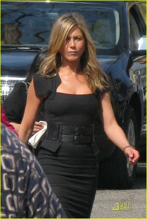 Jennifer Aniston's black dress in Just Go With It   Just