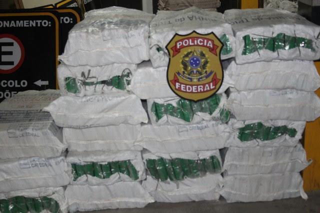 Conforme a polícia, quantidade de droga prensada é maior apreendida no Norte/ Nordeste (Foto: Divulgação/ PF