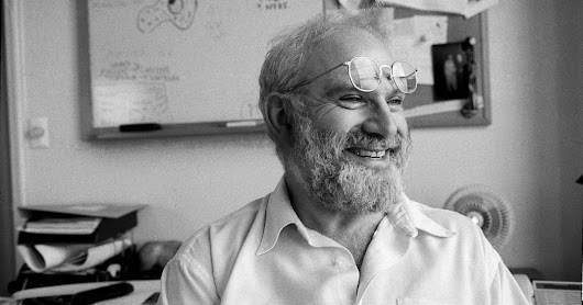 Oliver Sacks, Neurologist Who Wrote About the Brain's Quirks, Dies at 82 - The New York Times