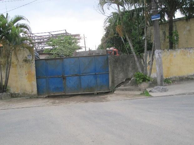 Episódio ocorreu por conta de assalto a loja de materiais de construção (Foto: Rodrigo Martins/ G1)