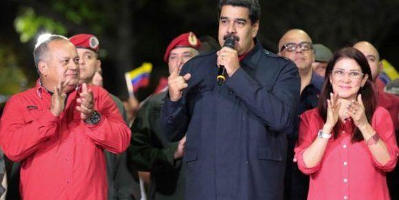 El Presidente Maduro y los principales dirigentes de la Revolución bolivariana celebran desde Miraflores los resultados electorales. Foto: Prensa Prensidencial de Venezuela