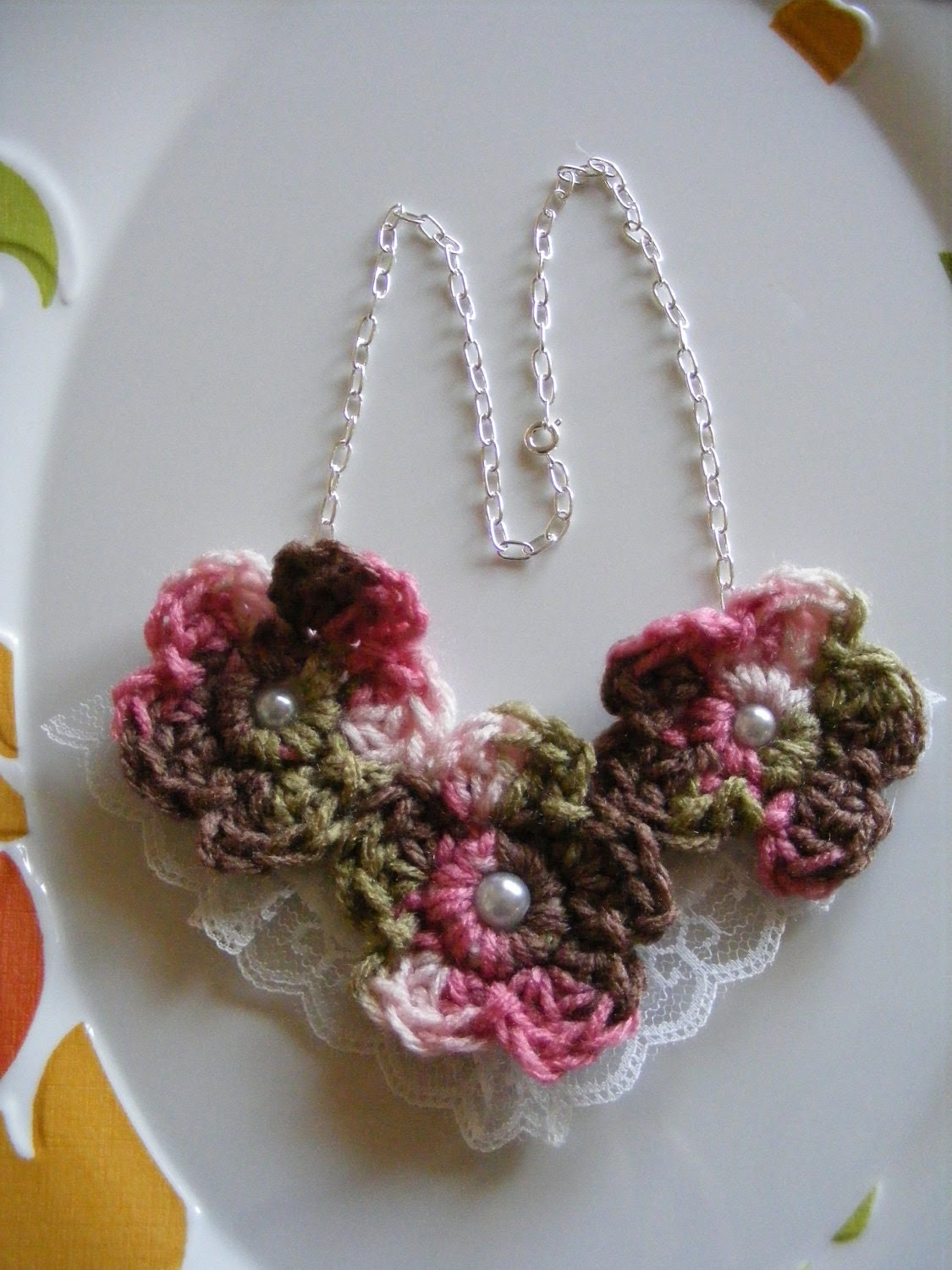 Soft & Pretty Flower Necklace