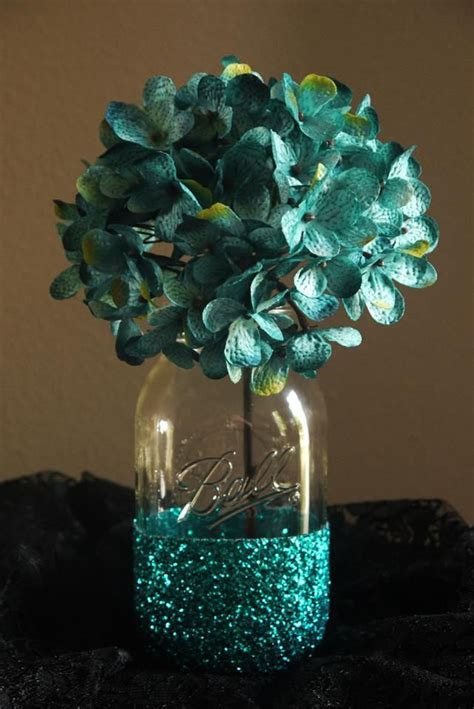 25  Best Ideas about Glitter Mason Jars on Pinterest   Diy