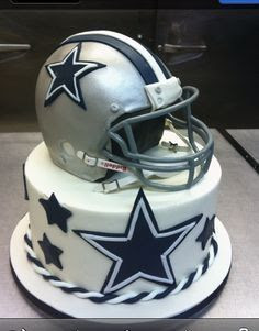 The perfect Dallas Cowboys cake!!
