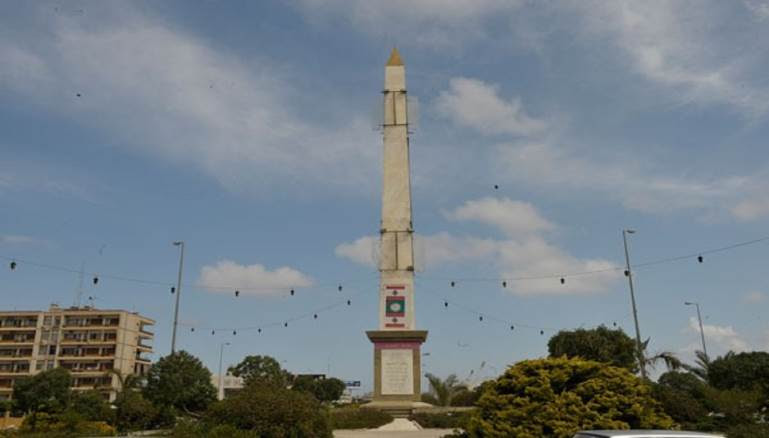 محمد حجيري...تماثيل الأسد في لبنان... تلك المسلّة الباقية