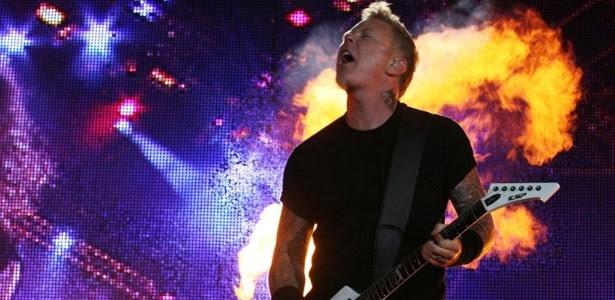 Vocalista James Hetfield, do Metallica, durante a terceira noite de shows do Rock In Rio (25/09/2011)