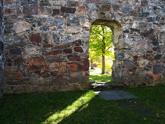 Nes kirkeruin (2)