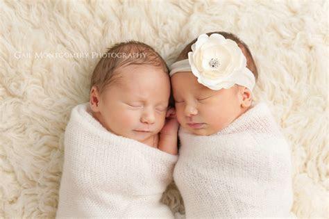 foto tenang  tidur  kembar berbeda jenis kelamin