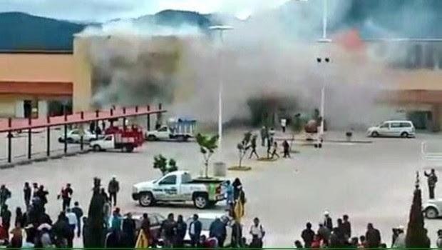 Encapuchados destrozan tiendas en Chiapas; incendian Soriana y Oxxo (VIDEO)