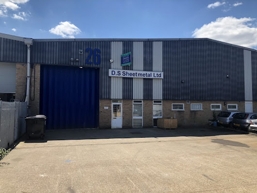 Mid-Terrace Industrial Unit to Let in Poole