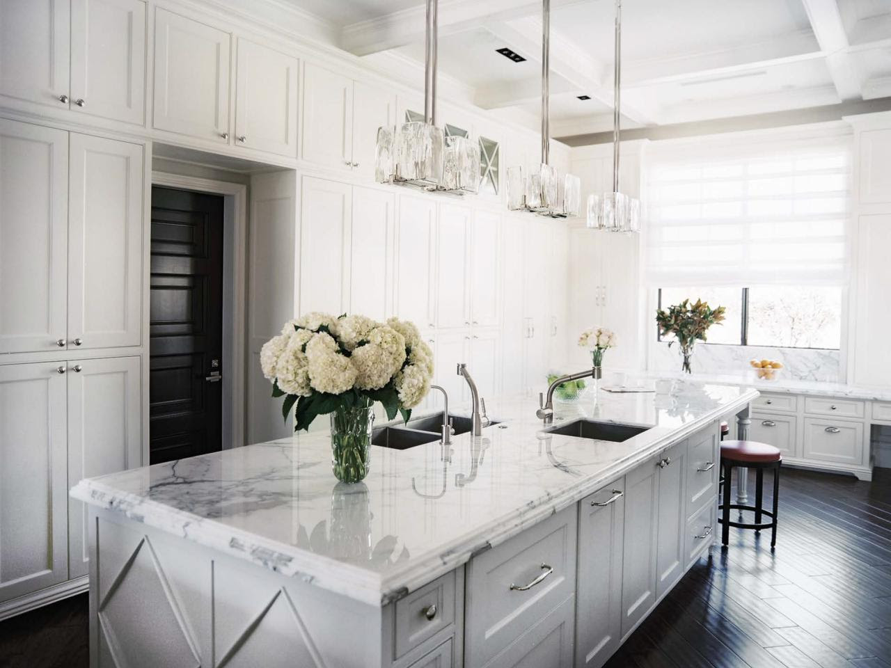 Kitchen Remodels With White Cabinets Pictures | Roy Home ...