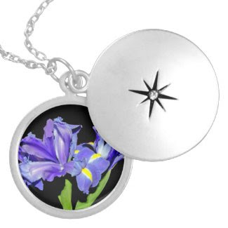 Iris 8 round locket necklace