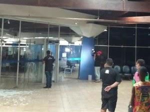 Homens se passam por funcionários e assaltam banco, em Bacabal