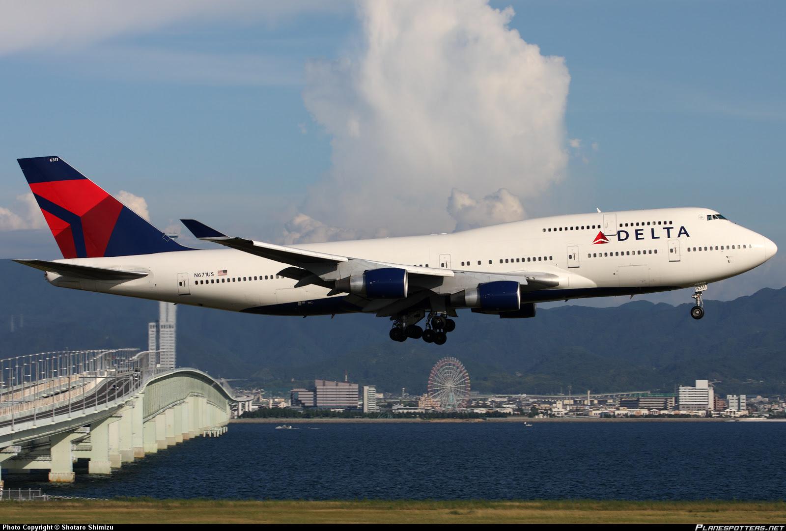 n671us delta air lines boeing 747 400_planespottersnet_224049