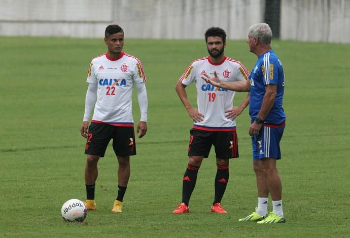 Arthur Maia, Everton e Antonio Mello (Foto: Gilvan de Souza / Flamengo)
