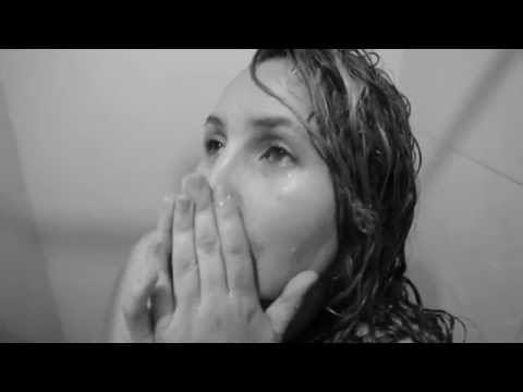 MIKE - BAJO LA LLUVIA (VIDEO)   2015   COLOMBIA