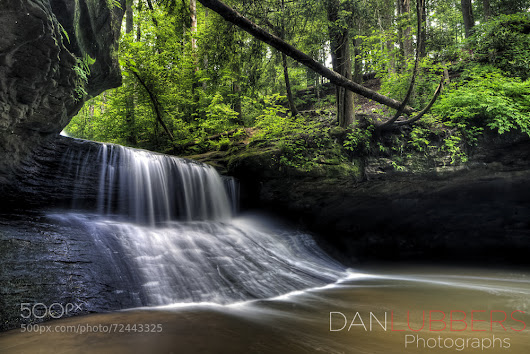 Creation Falls flows in Red River Gorge, KY