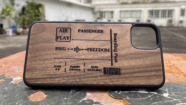 【Aiyo0o.com獨家發售】 DNLM「自由機票」木電話殼 帶你通往烏托幫