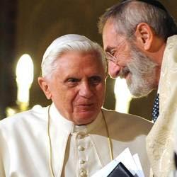 Benedetto XVI con il Rabbino Di Segni